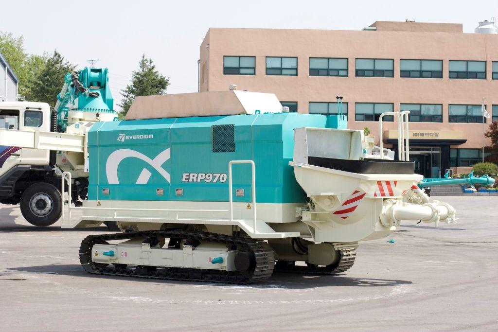 Concrete pump Everdigm ETP 970 Crawler 02