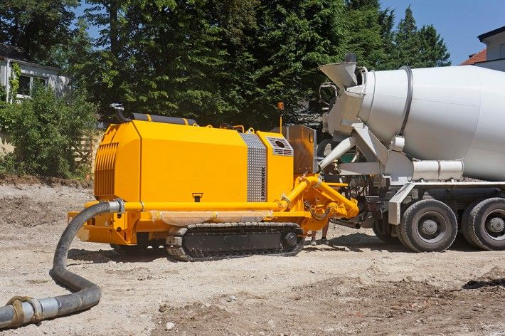 Crawler concrete pump on a construction site