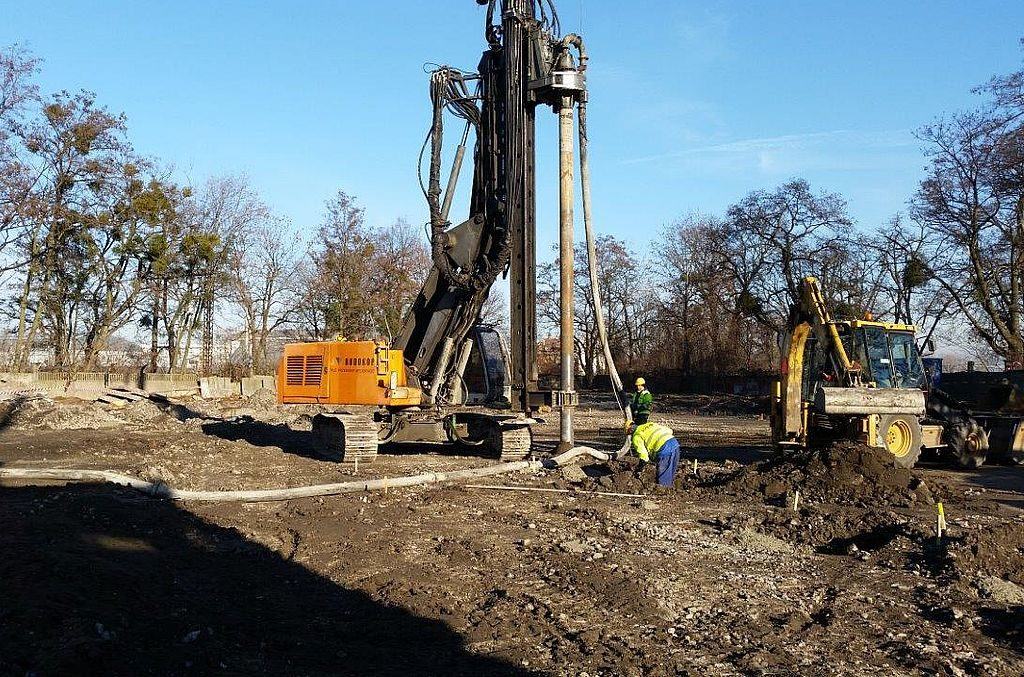 Stationary concrete pump on the construction site